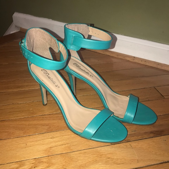 Breckelles Shoes - Breckelle's Turquoise Single Strap Sandals Sz 10